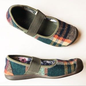 KEEN Sienna Plaid Fleece Mary Jane Shoes Size 8.5